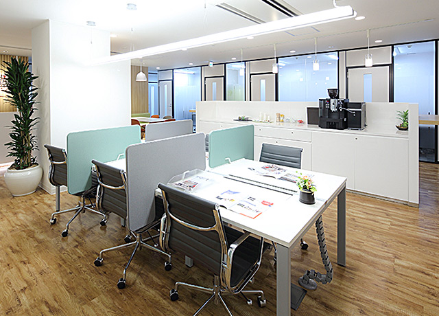 Regus CO-WORKING OFFICE